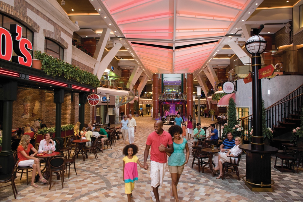 Royal Promenade - Oasis of the Seas
